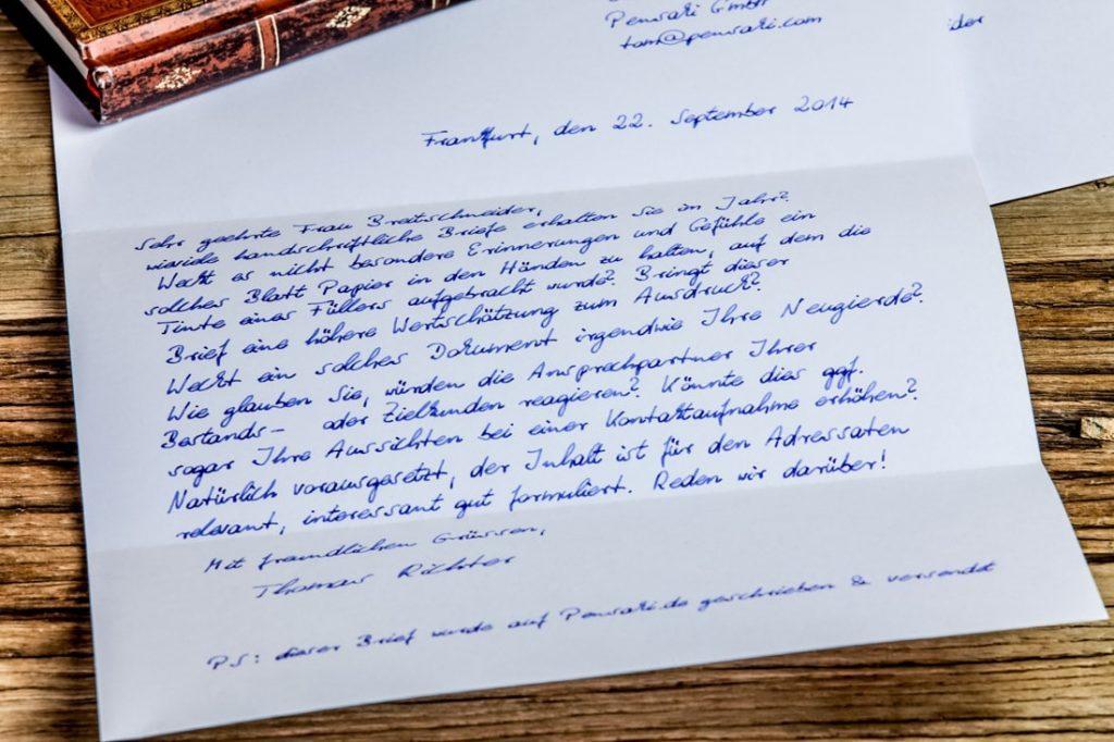 handgeschriebener Brief Roboter