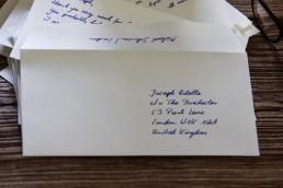 Handgeschriebene Adressen sind praktische eine Öffnungsgarantie