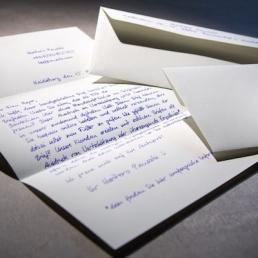 Briefe in Handschrift online bestellen mit Kuverts und Briefversand Pensaki