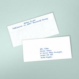 Kuverts Adressen in Handschrift