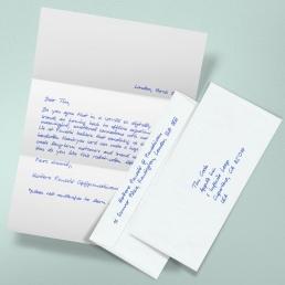 Handgeschriebener Brief mit Kuvert und Versand