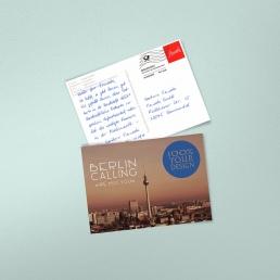 Handgeschriebene Postkarte mit Frankierwelle