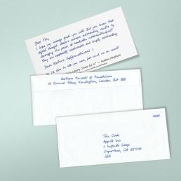 Handgeschriebene Geburtstagskarte mit Kuvert und Datum